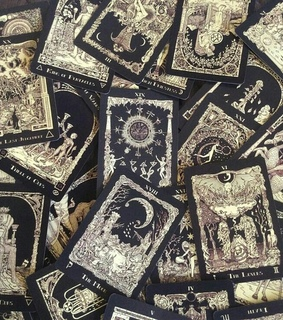 tarot cards, cards and telling the future