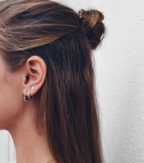 star, earings and stylé
