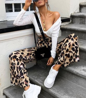 accesories, animal print and clevage