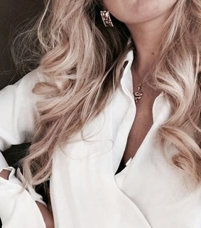 accessories, blond and blouse