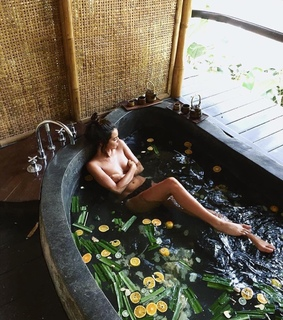 Lazy, bali and bath
