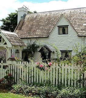 country living, cottage garden and architecture