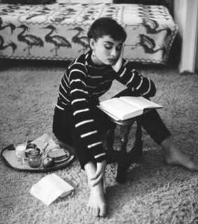audrey hepburn, black and white and books
