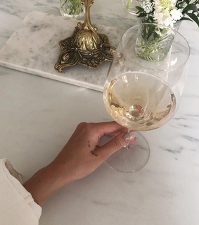 alternative, champagne and discoverfeed