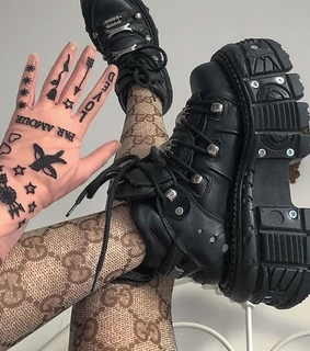 indie, gloves and aesthetics