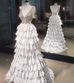 Couture, Queen and dress