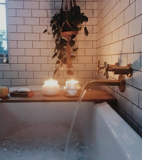 bath, bubble and candle