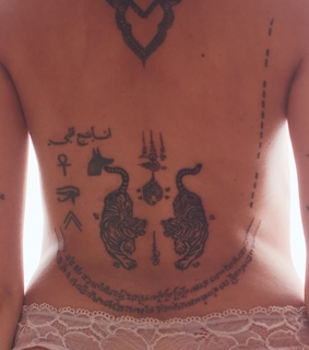 Tattoos, body and femme