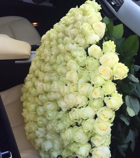 flowers, gorgeous and white roses