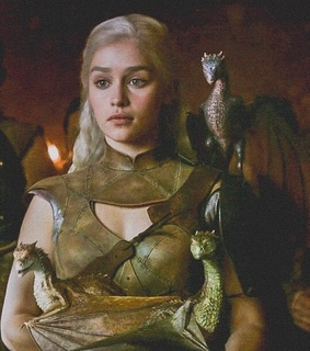 true queen, game of thrones and daenerys targaryen