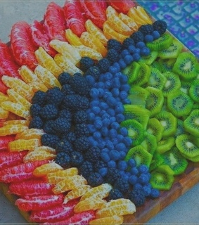 FRUiTS, colorful and cool