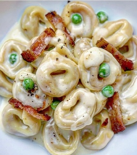 bacon, food and pasta