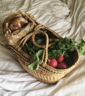FRUiTS, aesthetic and basket