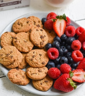 Cookies, FRUiTS and breakfast