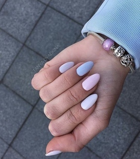 white, gelpolish and blue