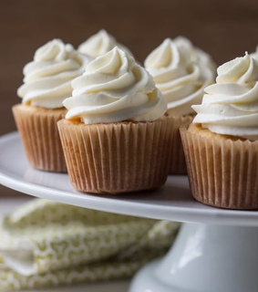 cupcakes, desserts and food