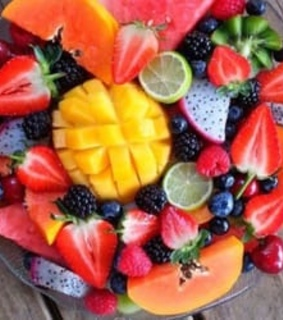 FRUiTS, food and summer