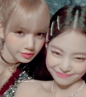 blackpink, lalisa blackpink and jisoo blackpink