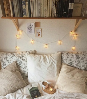bed, books and cozy