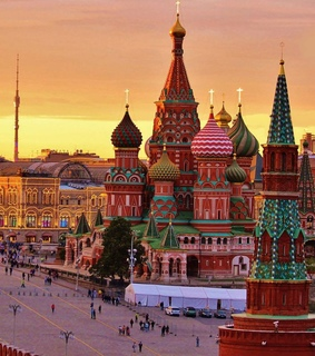 kremlin, russia and ??????