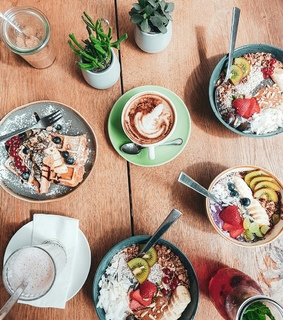 FRUiTS, cafe and coffee