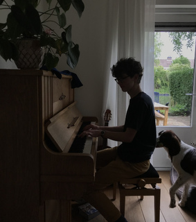 food, piano and healthy