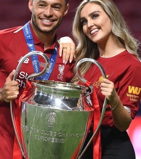 alex oxlade-chamberlain, football and perrie edwards