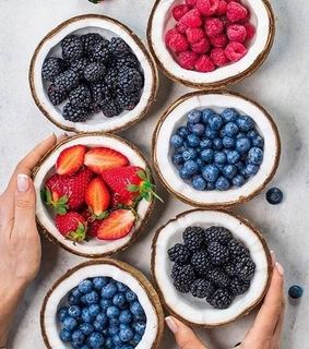 FRUiTS, berry and blueberries