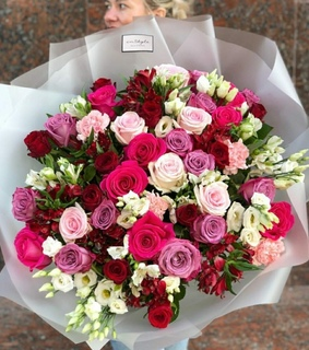 girls, we heart it and rose bouquet