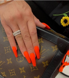 LV, nails and neon