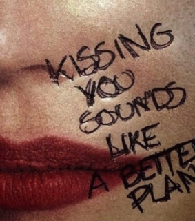 quotes, kiss and love