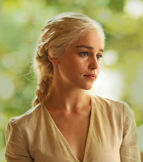 got, mother of dragons and emilia clarke