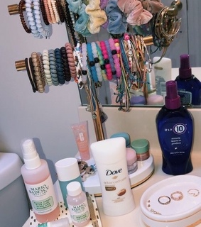 badescu, bathroom and bracelets