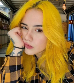 alternative girl, yellow and hair color girl