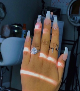 nails, love and photography