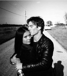 Nina Dobrev, Vampire Diaries and couple goal
