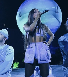 lilac theme, ariana grande and aesthetic