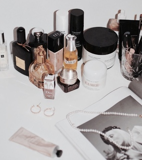 accessories, beauty and cosmetics