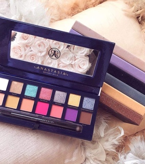 anastasia beverly hills, glow and palette
