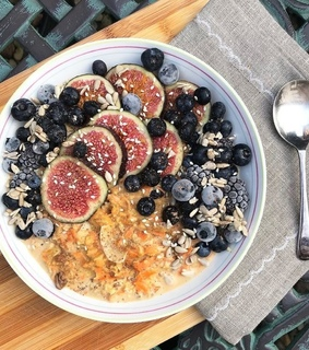 breakfast, smoothie bowl and healthy food