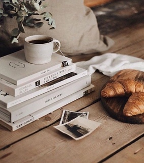 book, breakfast and desserts