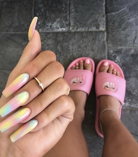 acrylics, baddie and goals