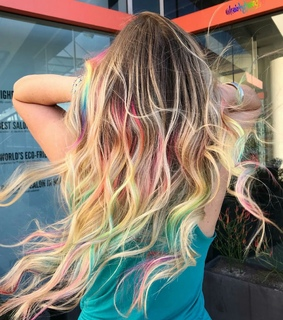 aesthetic, blonde and colourful