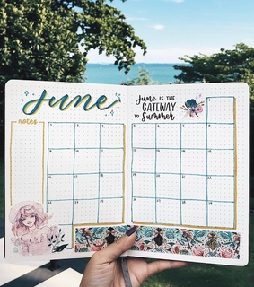 monthly layout, journal and monthly spread