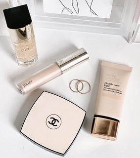 Foundation, base and beauty