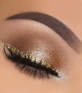 gold, sparkles and mascara