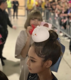jennie, chaeyoung and low quality