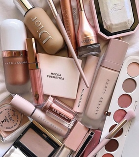 girl's, make-up goals and pink