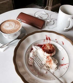 breakfast, cake and chic