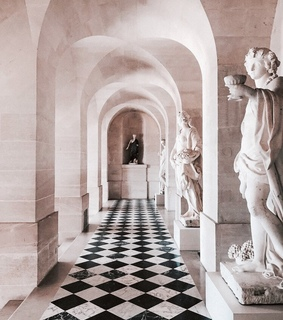 sculpture, arch and architecture